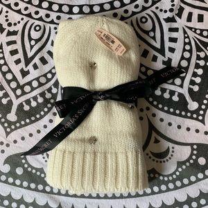 Victoria's Secret hat/scarf set
